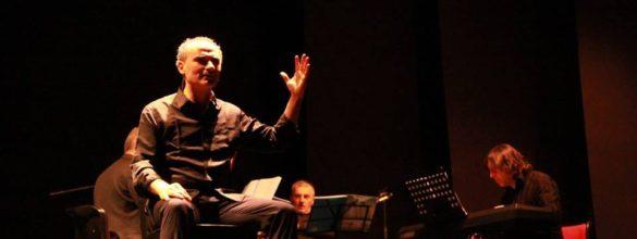 Brescia, Città del Teatro (1) – Mario Mirelli, in bilico tra recitazione e regia